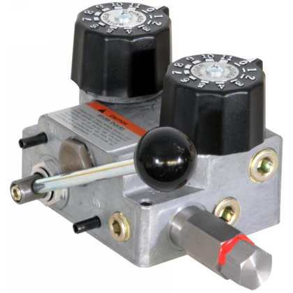 Picture of Hydraulic Spreader Valve & Console - 7/15 GPM - 83-1/4 L/Min - 2000 PSI - 140 Bar